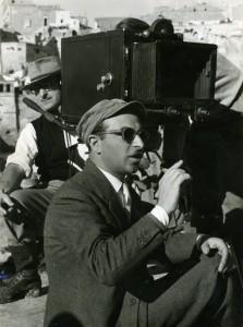 Alberto-Lattuada-sul-set-della-Lupa-di-Federico-Patellani